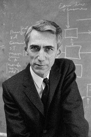Claude Shannon(Source: http://history-computer.com/)